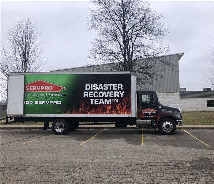 Large Loss Commercial SERVPRO Truck